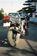 秋代さんのGSX-R400R リア画像