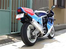 みどりかんぐぅさんのGSX-R750R メイン画像
