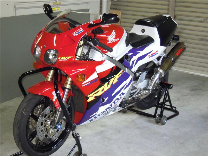 山梨のhiroさんのRVF400R
