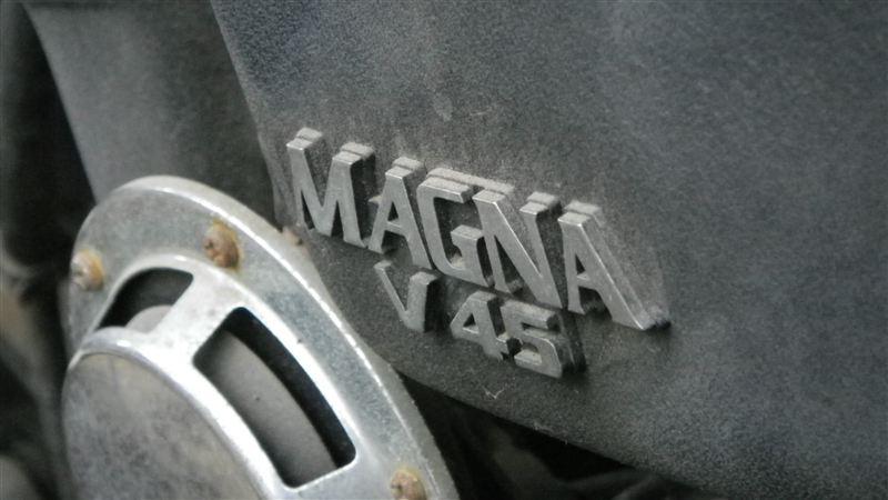 Yの字さんのV45 MAGNA