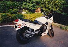 キクマサさんのGPX750R リア画像