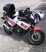 リノスさんのFZ400R 左サイド画像