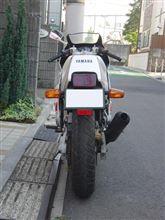 えるうぇいさんのFZR400R リア画像