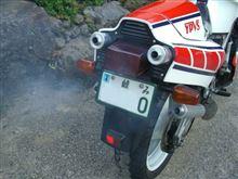 きらじぃさんのRZV500R リア画像
