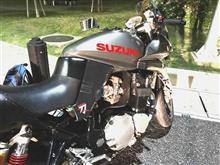 黒銀2ドアトレノさんのGSX1200S KATANA (カタナ) 左サイド画像