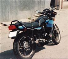 グラ爺さんのXJ400 左サイド画像