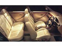 ミニおやじさんの400シリーズ セダン リア画像