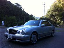 白い稲妻ぷーさんのAMG E55 左サイド画像