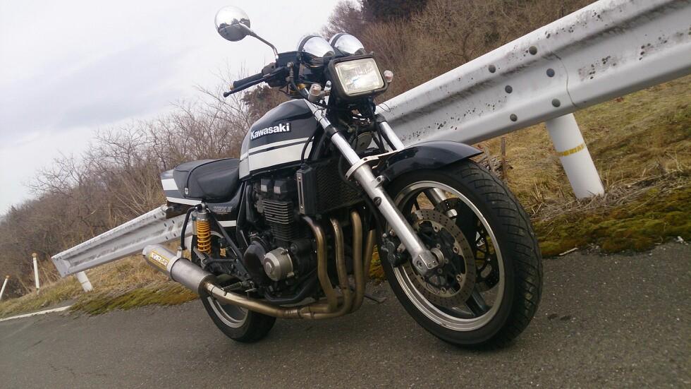 タビジンさんのZRX400-II