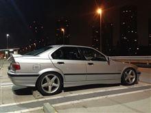 大崎:BMW-E36-328iさんの3シリーズ セダン 左サイド画像
