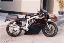 yassakunさんのGSX-R1100 左サイド画像