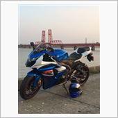 爺_ペケ(赤COPE_G)さんのGSX-R1000