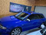 アウディ RS4アバント (ワゴン)