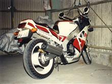 po-c3さんのFZR750 メイン画像