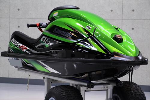 REVOLTさんのSX-R800
