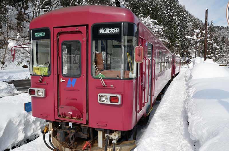 MOLEさんの長良川鉄道 ナガラ300形