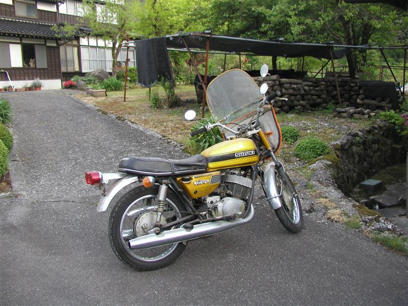 スズキ GT250
