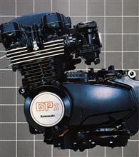 ZRX999さんのGPz400 左サイド画像