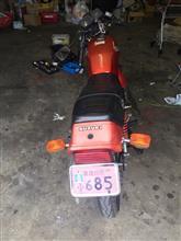 偽佐川のサバーバンさんのGS125E リア画像