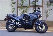 ZRX999さんのGPZ400R 左サイド画像