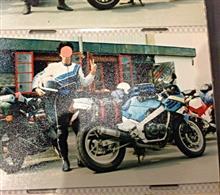カプチー忍さんのGSX-R400