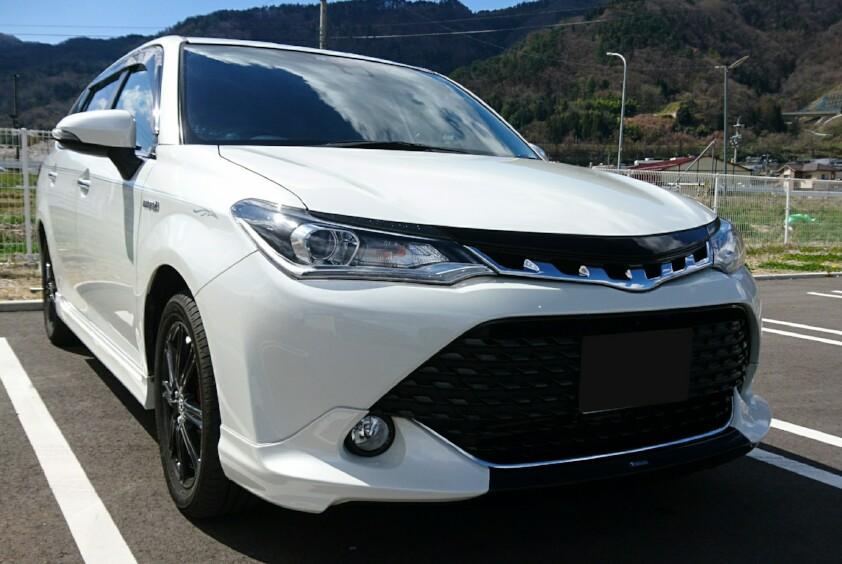 トヨタ カローラフィールダーハイブリッド