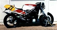 日産工機さんのTZR250RS リア画像