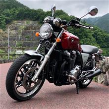 UmaichiさんのCB1100 リア画像
