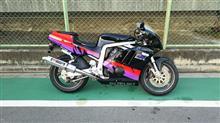 たっちゃん31さんのGSX-R400R 左サイド画像
