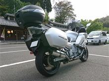 洛SUGIさんのFJR1300 リア画像