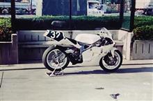 うっちー25TさんのTZ250 左サイド画像