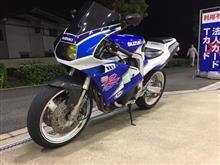 ハチナナさんのGSX-R400R