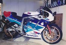 サムライ刃さんのGSX-R750R メイン画像