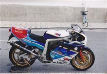 サムライ刃さんのGSX-R750R 左サイド画像