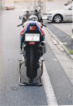 サムライ刃さんのGSX-R750R リア画像