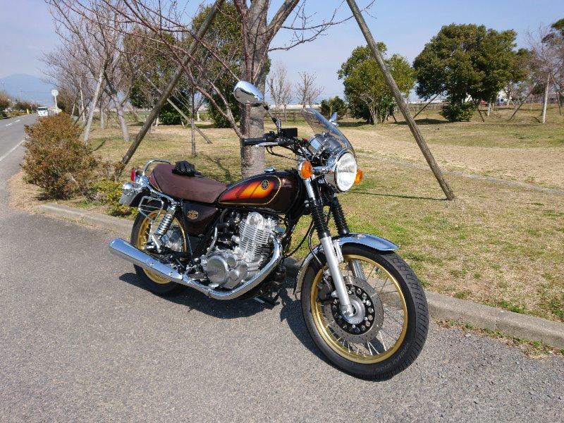 オビリンさんのSR400 40周年 記念モデル