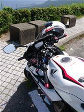 マツ吉さんのCBR400R リア画像