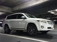 三城さんの愛車:トヨタ ヴァンガード