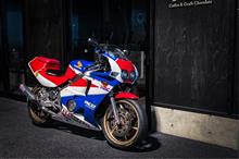 Leon_RRさんのCBR400RR メイン画像