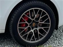 Ferdinand Porscheさんのマカン リア画像