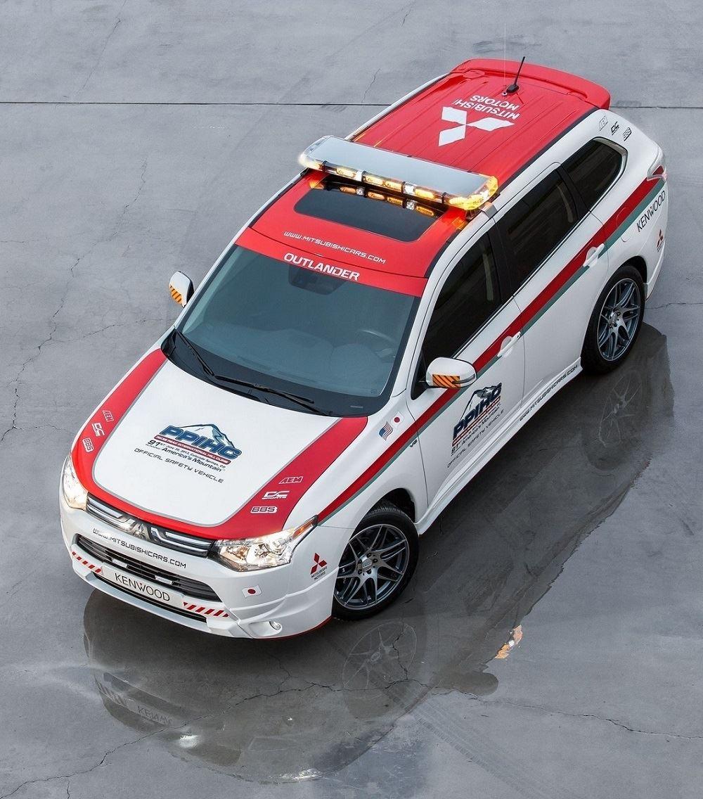 2014 Mitsubishi I Miev Camshaft: 「2014 Mitsubishi Outlander Official Safety Vehicle : 2013