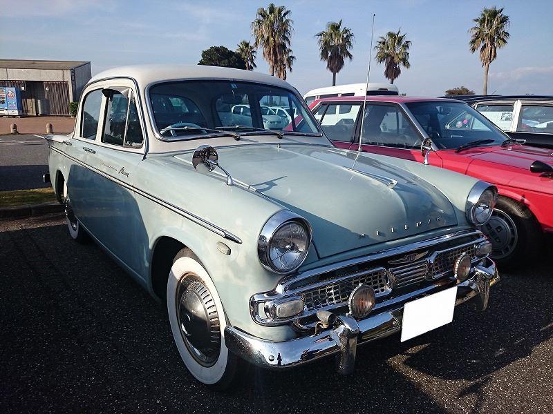 おしゃれな旧車。 最初は外車? って思ってたら実は国産ブランドだそうで。