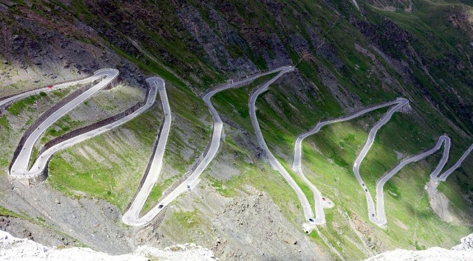ヨーロッパの峠道その1」Akimaの...