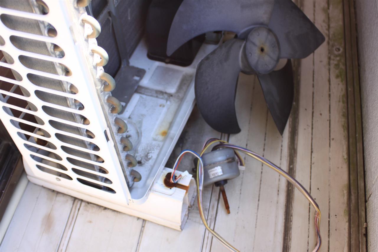 エアコン の 室外 機 が 回ら ない
