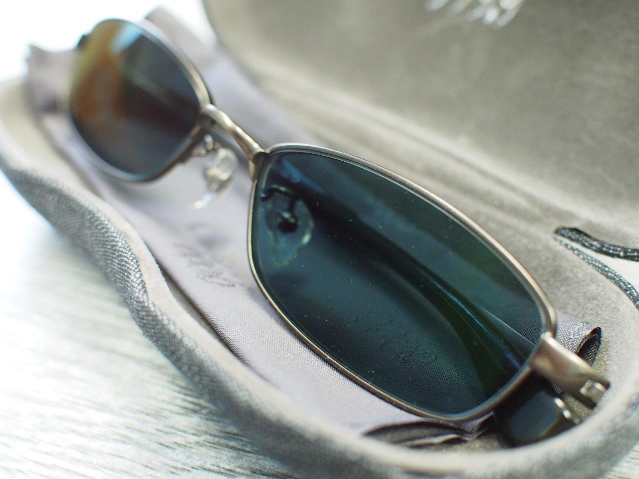 塗り直したメガネでサングラス