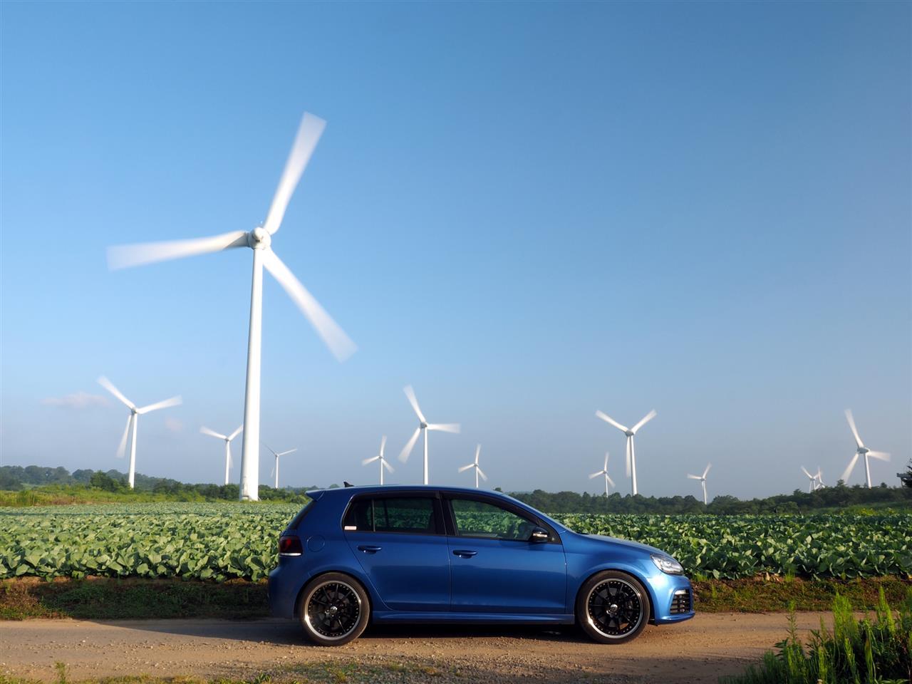 ゴルフR ゴルフ 青い車 布引高原 風車 impactblue