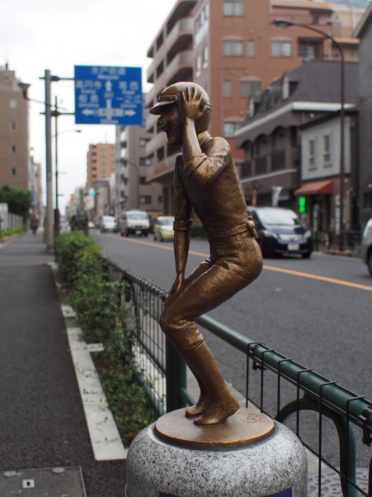 JR常磐線 亀有駅 南口 ゆうろーど 銅像②