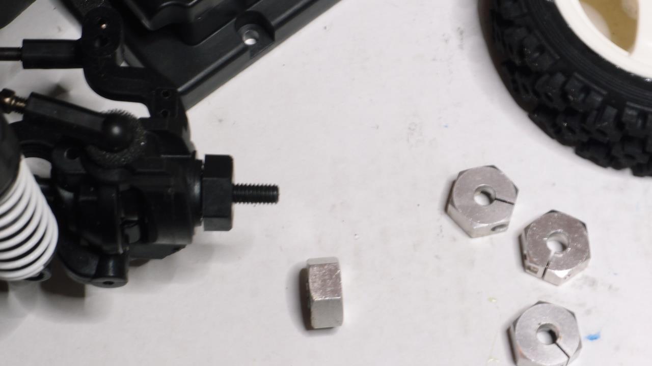 XV-01に6mm厚のホイールハブを投入